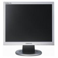 """Отличное  состояние Монитор 17"""" Samsung 720N (1280x1024)"""
